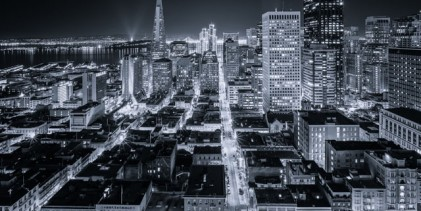 """San Francisco jako """"Gotham City"""" – působivé time-lapse video od Tobyho Harrimana"""